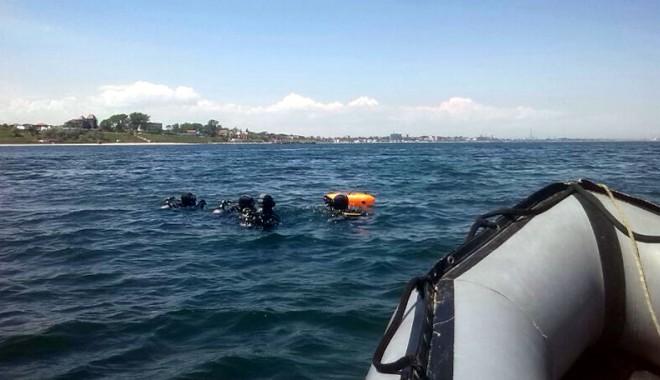 Foto: Nu vă aventuraţi la scăldat, dacă nu înotaţi bine!