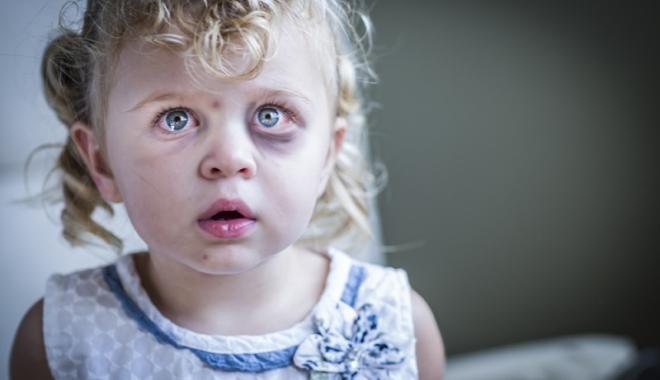 Foto: Nu! violenţei şi abuzului asupra copiilor, DA! respectării drepturilor acestora!
