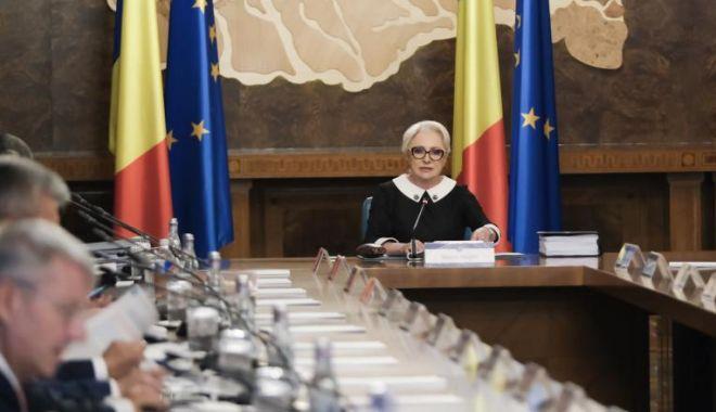 Foto: Trei miniştri remaniaţi şi un nou preşedinte executiv interimar al PSD