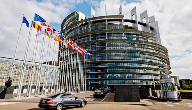 Foto: O apărare cibernetică solidă a UE şi legături mai strânse cu NATO