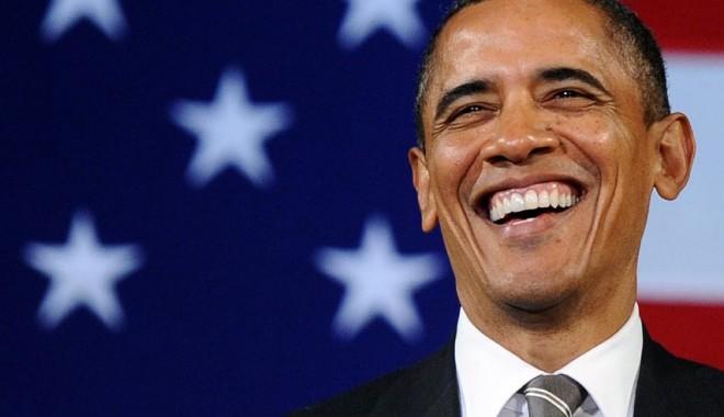 Foto: Un bărbat i-a oferit MARIJUANA lui Barack Obama într-un bar