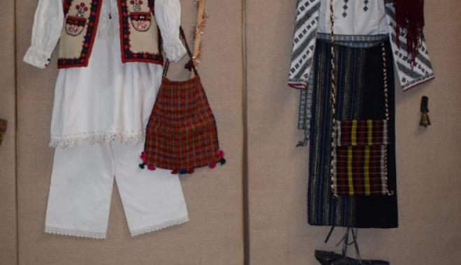 Obiceiuri şi tradiţii de Crăciun, în Dobrogea. Cum se organizau colindătorii pe vremuri - obiceiuri1-1513267790.jpg