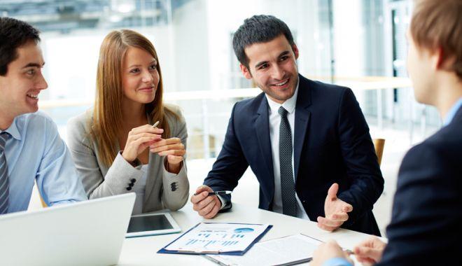 Foto: Agenții economici, obligați să anunțe locurile de muncă vacante
