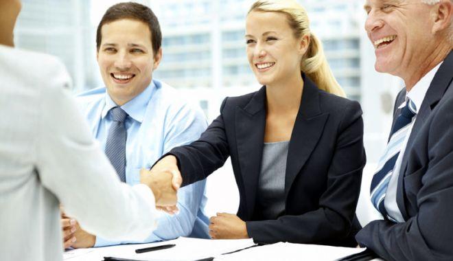 Foto: Ce obligaţii au angajatorii referitor la locurile de muncă vacante