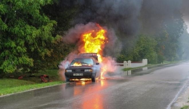 Foto: O actriţă celebră, în stare critică după un accident petrecut pe autostradă