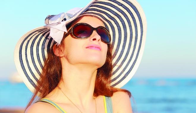 Foto: Sezonul ochelarilor de soare. Ce modele alegem