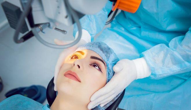 Foto: Medicii oftalmologi se reunesc pe litoral. Reputaţi specialişti, pe lista invitaţilor