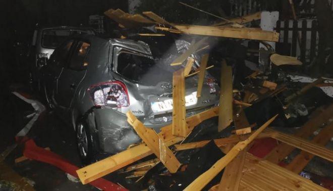 Foto: MAE: Un al treilea român, victimă a furtunii din Halkidiki; rănitul a fost transportat la spital
