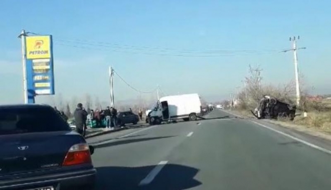 UN MORT ŞI OPT RĂNIŢI, în urma unui grav accident rutier - odawjmhhc2g9nty5mwy4y2yzowuxzdiy-1514290672.jpg