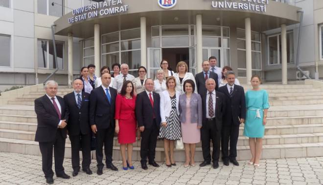 """Foto: O delegaţie a Universităţii """"Andrei Şaguna"""", prezentă în Comrat"""