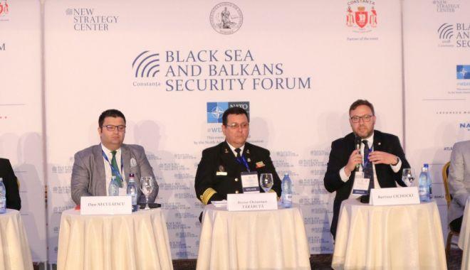 Foto: Oficiali NATO şi UE, la Constanţa. Începe Forumul regional de securitate