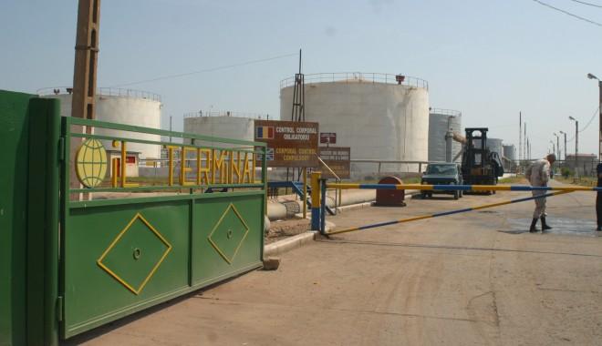 """Foto: """"Oil Terminal"""" cere sechestru asigurator pe bunurile foştilor directori generali Vasile Miu şi Silviu Wagner"""
