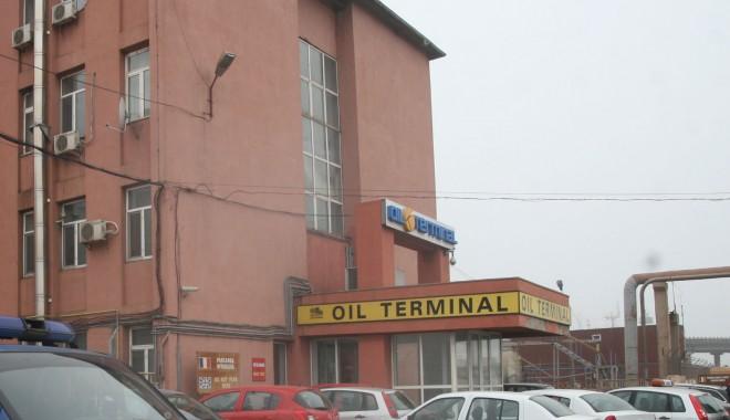 """Foto: Acţiunile """"Oil Terminal"""" au pierdut 2,44% din valoare"""