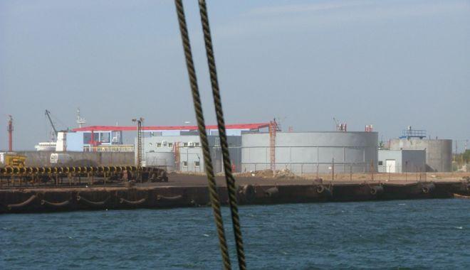 Foto: Compania Oil Terminal, lovituri după lovituri din partea ANAF