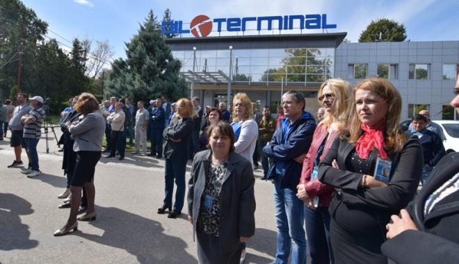 Foto: Oil Terminal - scena unei tragi-comedii  regizate de Ministerul Energiei