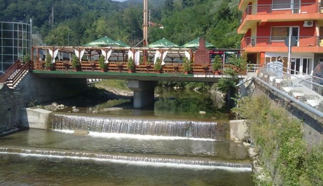 Foto: Hai la Olăneşti! Au sosit primele bilete de tratament pentru pensionari