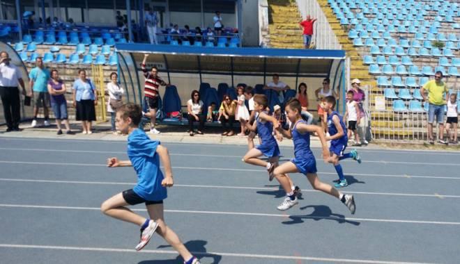 Cine sunt elevii-atleți premianți - olimpiadacinesunt7-1433785058.jpg
