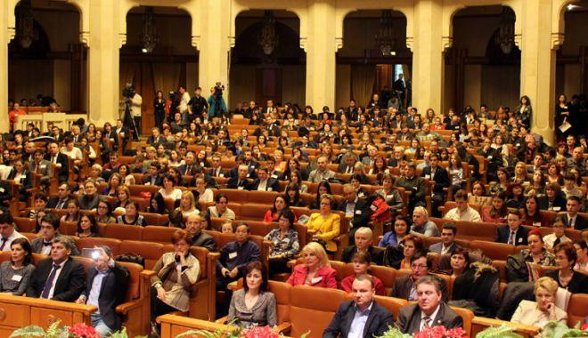 Foto: Olimpicii constănţeni, premiaţi de Ministerul Educaţiei