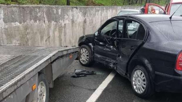 Foto: Poliţist accidentat în timp ce efectua cercetări la un alt eveniment rutier