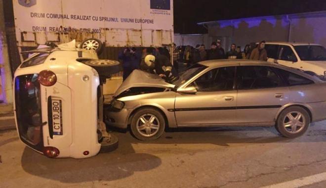 Foto: Accident rutier: o mamă cu doi copii, la spital