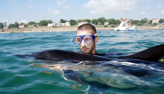 """Foto: """"O mare liberă pentru delfini!"""""""