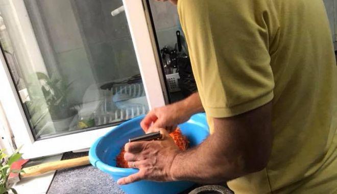 O masă caldă pentru sărmanii din Constanţa - omasacalda-1530454173.jpg