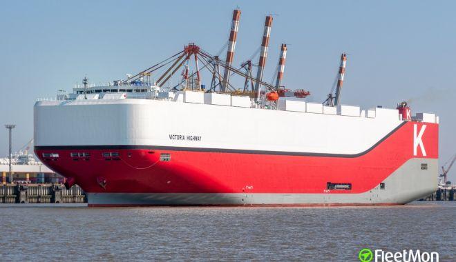 O navă car carrier s-a ciobit la acostarea în portul Bremerhaven - onavacarcarriersaciobitlaacostar-1570448536.jpg