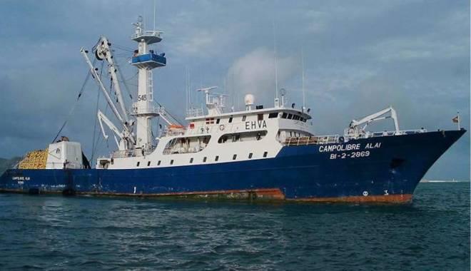 Foto: O navă de pescuit spaniolă a fost abandonată de echipaj