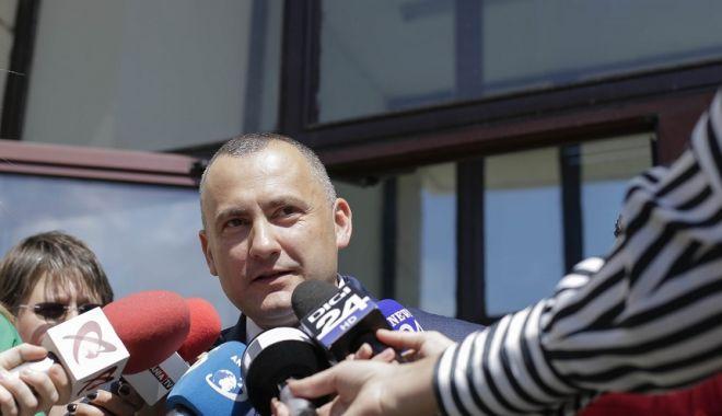 Foto: DNA cere revocarea lui Lucian Onea din funcţia de procuror