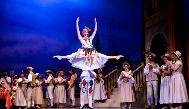 """Foto: """"O noapte la Veneţia"""", pe scena Teatrului """"Oleg Danovski"""""""