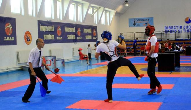 Foto: O nouă probă sportivă în programul de Kung Fu - lupte libere chineze
