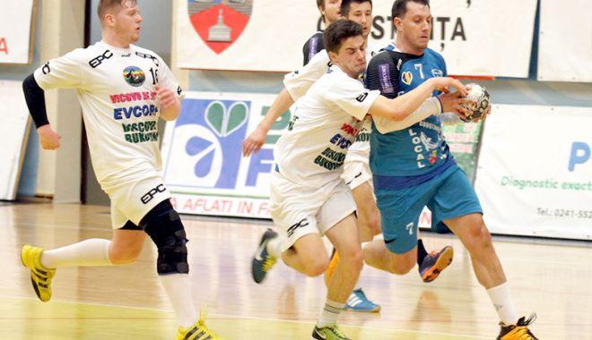 Foto: O nouă echipă îşi pregăteşte retragerea din Liga Naţională de handbal