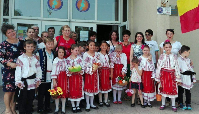 """Foto: O nouă ediţie a Festivalului """"Mlădiţe Dobrogene"""""""