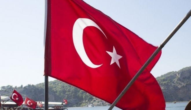 Foto: Noi epurări în Turcia: 144 de persoane din sistemul judiciar sunt bănuite de legături cu reţeaua clericului Fethullah Gulen
