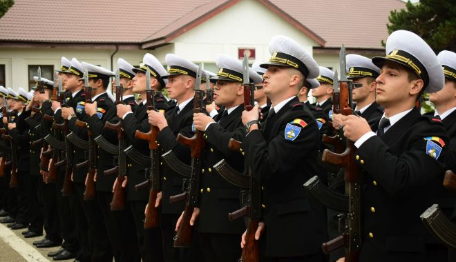 Foto: O nouă promoție de absolvenți la Academia Navală