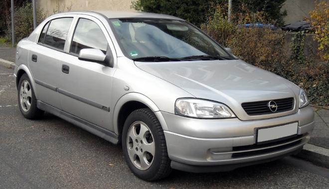 Foto: Opel Astra furat din Belgia acum 9 ani,  descoperit la Constanţa