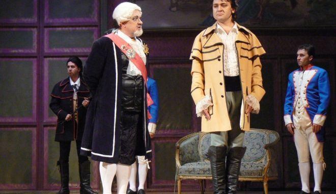 """Foto: """"Tosca"""" lui Puccini, la Teatrul """"Oleg Danovski"""""""