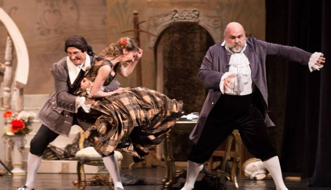 """Foto: Prin ce aventuri trece """"Don Pasquale"""" în acest weekend"""