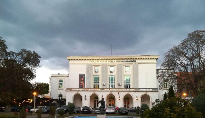 """Foto: Ce spectacol puteţi viziona la Teatrul """"Oleg Danovski"""" în weekend"""