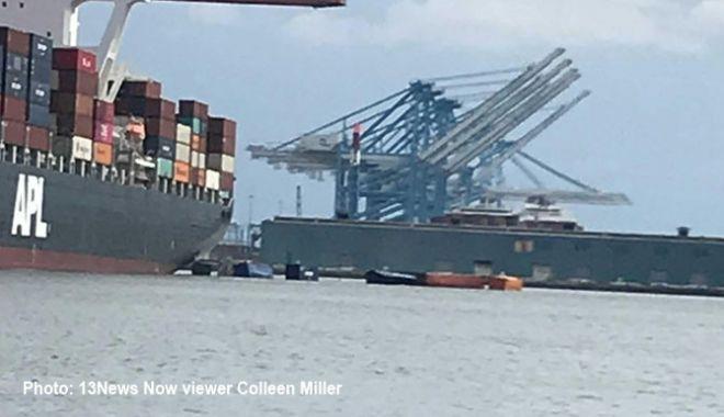Opt containere au căzut în mare, de pe o navă - optcontainereaucazutinmaredepeon-1532947156.jpg