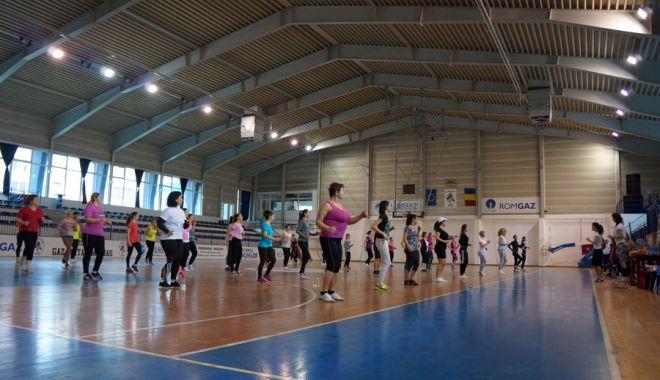 Masca, obligatorie la orele de sport în sală. Ministerul Sănătății respinge solicitarea ministrului Educaţiei - oradesport20157-1614779634.jpg