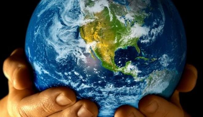 """Foto: Ministerul Mediului şi Schimbărilor Climatice participă la campania """"Ora Pământului"""""""