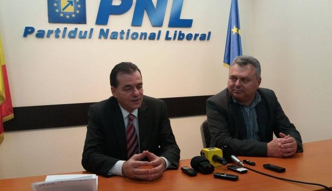 Foto: Liberalul Ludovic Orban şi-a început campania la Constanţa