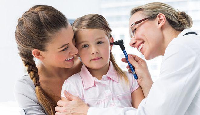 Foto: Sezonul bolilor copilăriei. Oreionul, contagios timp de 15 zile