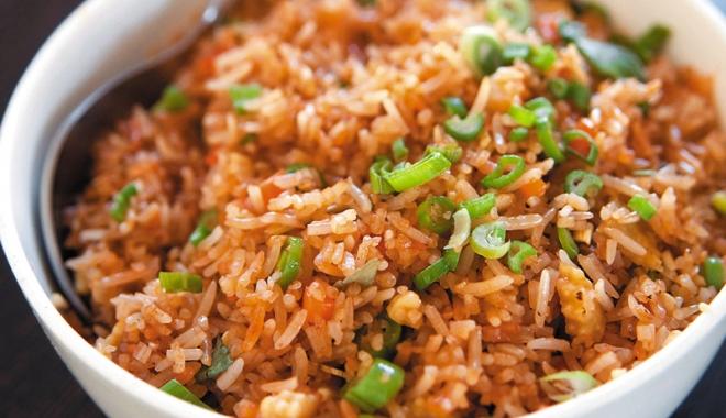 Foto: Azi gătim orezul  în stil chinezesc