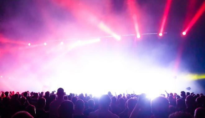 Foto: Concert extraordinar la Constanța, în Piaţa Ovidiu
