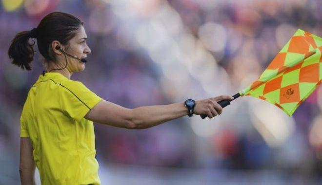 Foto: O româncă va arbitra în finala Ligii Campionilor la fotbal feminin