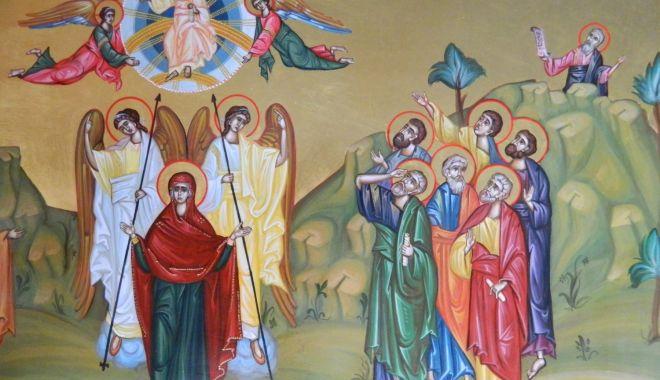 Foto: Mare sărbătoare! Ortodocşii sărbătoresc Înălţarea Domnului şi Ziua Eroilor