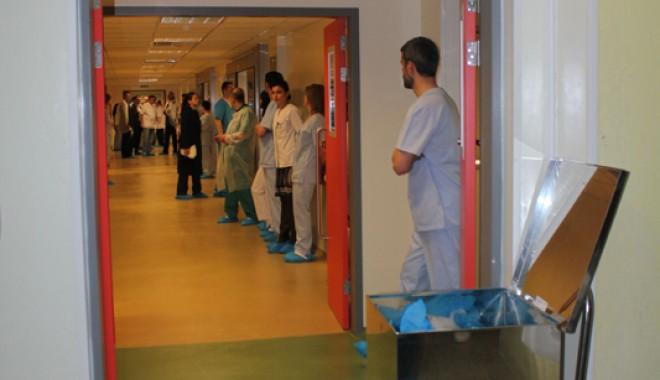 Cea mai modernă secţie de ortopedie din ţară s-a inaugurat la Constanţa - ortopedie6-1332950633.jpg