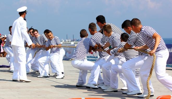 Foto: O săptămână până la Ziua Marinei. Ce exerciţii au pregătit autorităţile
